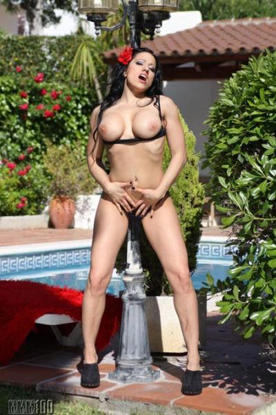 Porn actress Gigi Love